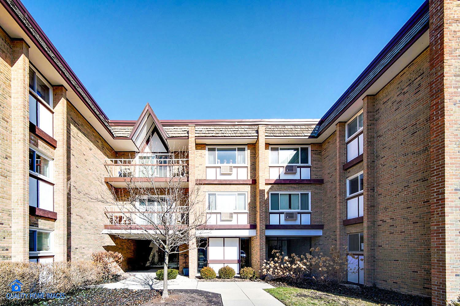300 Claymoor #1A, Hinsdale, IL 60521 - #: 10815947