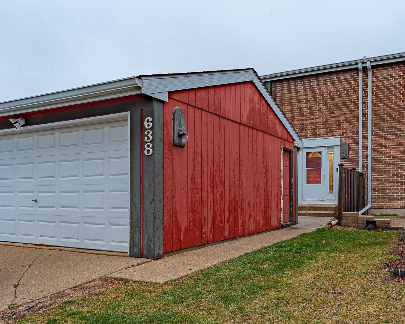 Photo of 638 Sundance Drive, Bolingbrook, IL 60440 (MLS # 10921947)