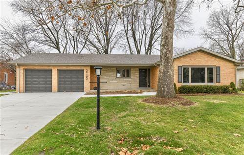 Photo of 2240 Woodview Lane, Park Ridge, IL 60068 (MLS # 10940948)