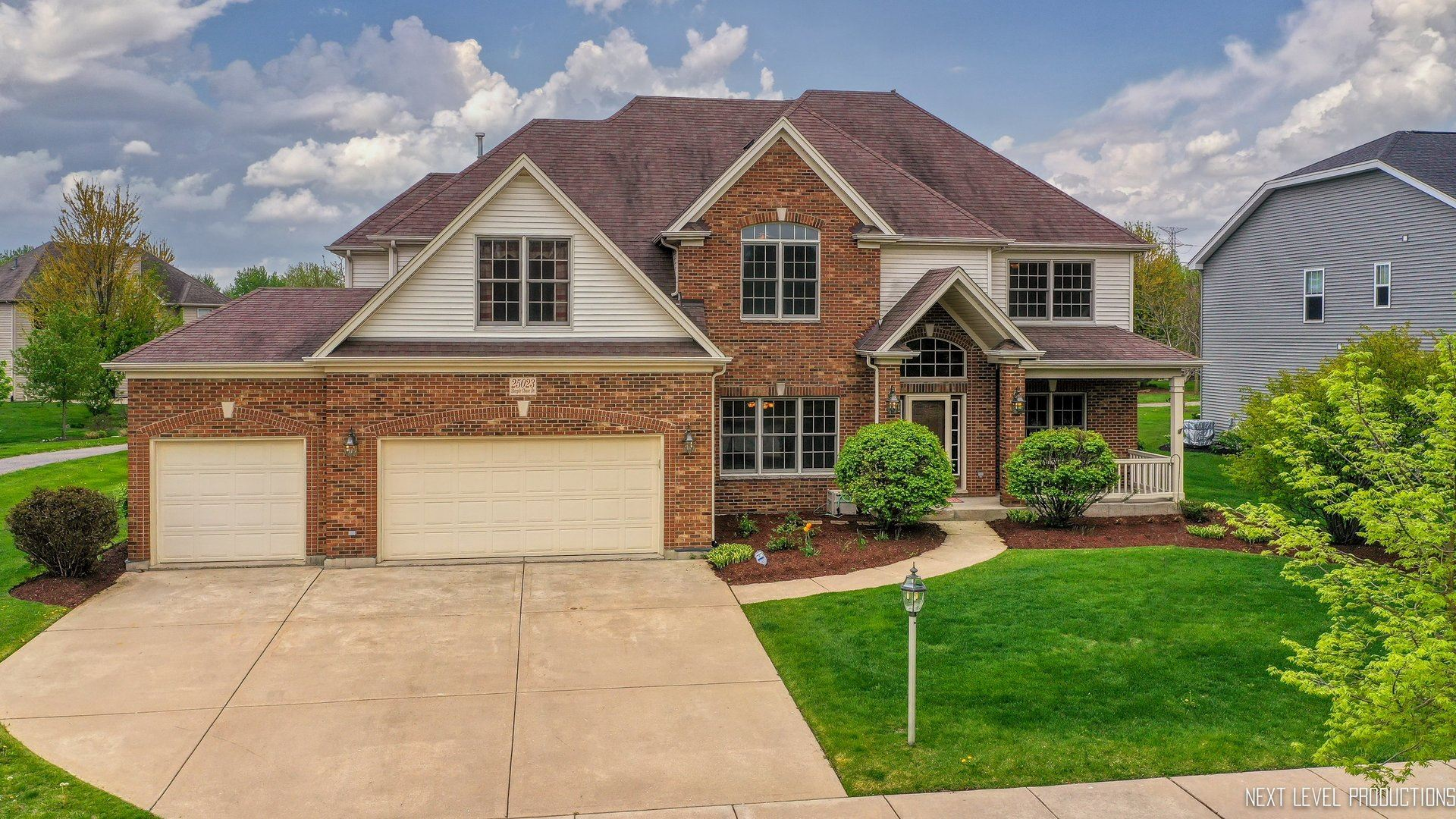 Photo of 25023 STEEPLE CHASE Drive, Plainfield, IL 60585 (MLS # 11068950)