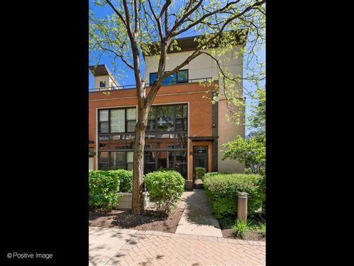 Photo of 923 N Howe Street, Chicago, IL 60610 (MLS # 11087951)