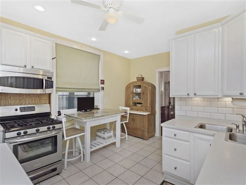 Tiny photo for 807 Hinman Avenue #3N, Evanston, IL 60202 (MLS # 10951953)