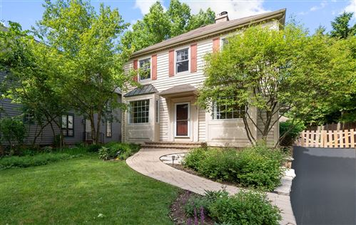 Photo of 174 WILDWOOD Road, Lake Forest, IL 60045 (MLS # 10752954)
