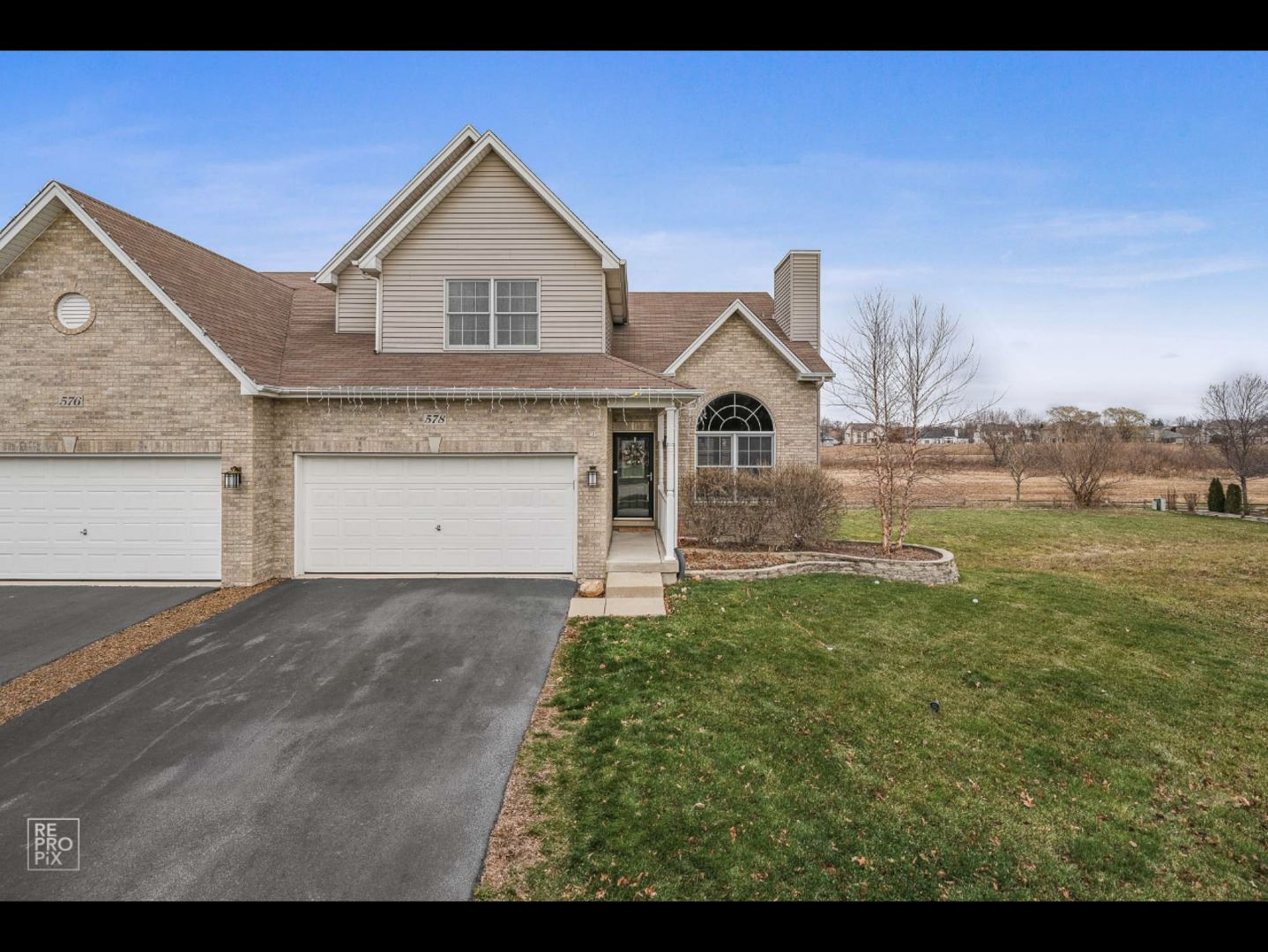 Photo of 578 Sudbury Circle, Oswego, IL 60543 (MLS # 10945954)