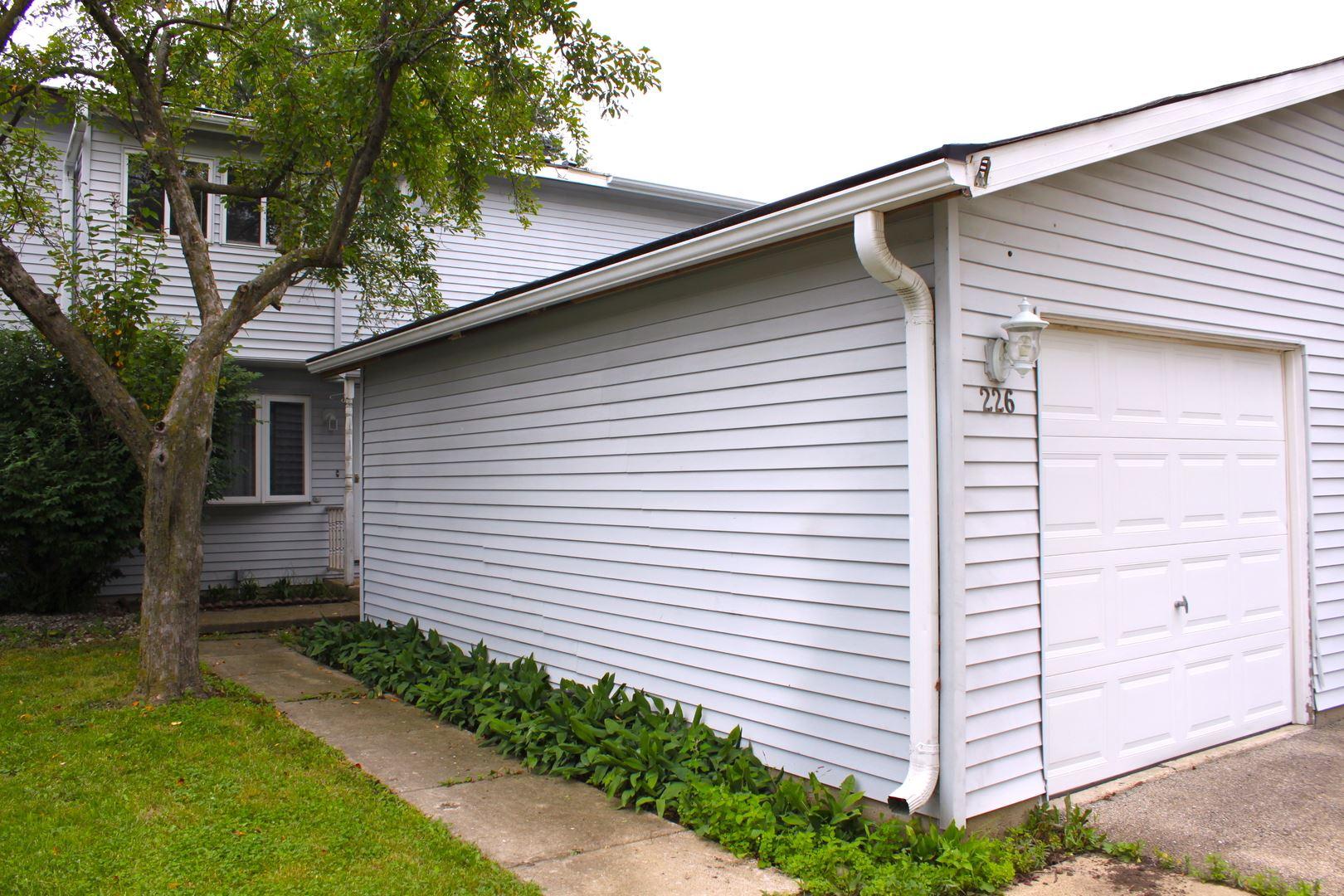 Photo of 226 Karen Circle, Bolingbrook, IL 60440 (MLS # 11159954)