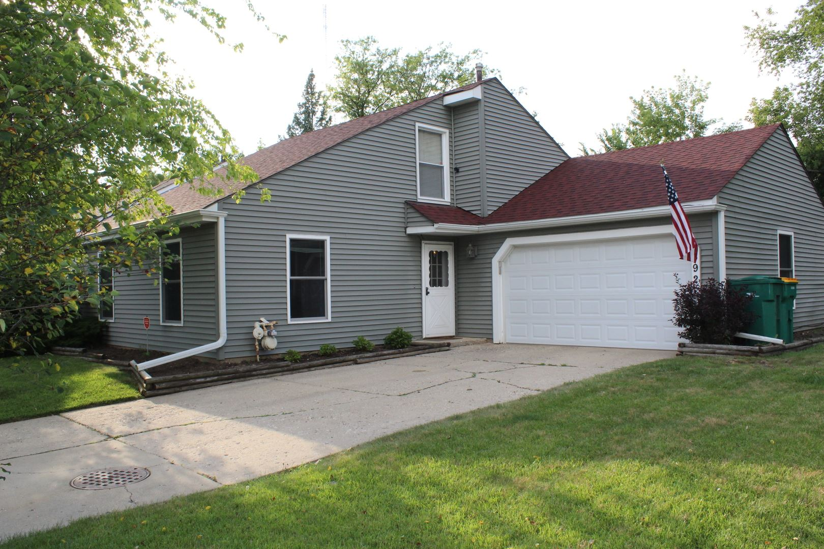 392 SAUK Court, Round Lake Beach, IL 60073 - #: 10774955