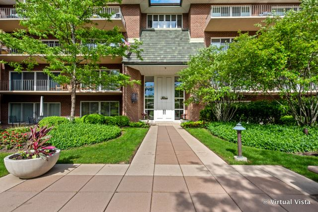 5 OAK BROOK CLUB Drive #P3N, Oak Brook, IL 60523 - #: 10706960