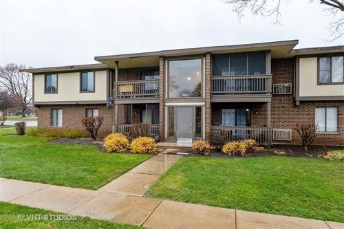 Photo of 560 SOMERSET Lane #8, Crystal Lake, IL 60014 (MLS # 10940961)