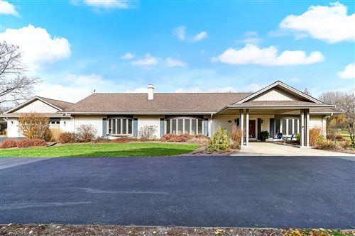 Photo of 8218 Windsor Court, Burr Ridge, IL 60527 (MLS # 10931962)