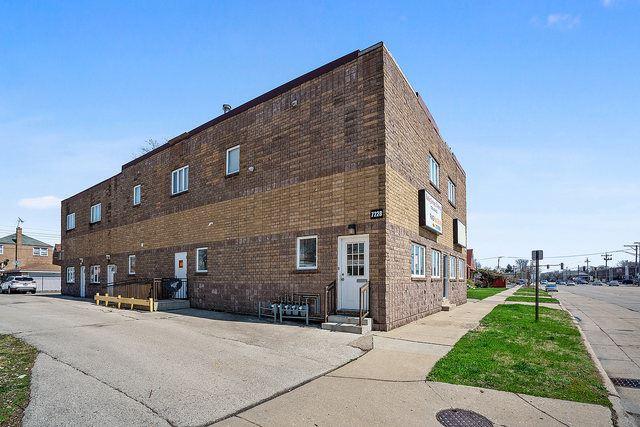 7228 Pershing Road #2E, Lyons, IL 60534 - #: 10810962