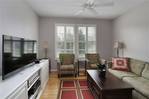 Tiny photo for 80 S Canterbury Court, Lake Forest, IL 60045 (MLS # 10939963)
