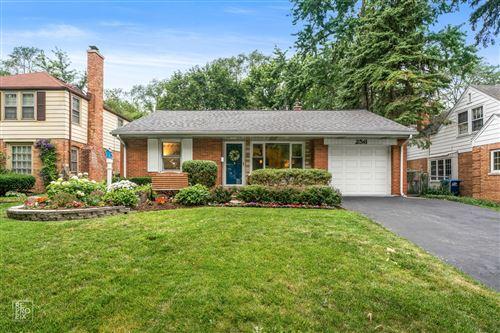 Photo of 256 S Prospect Avenue, Clarendon Hills, IL 60514 (MLS # 11150963)