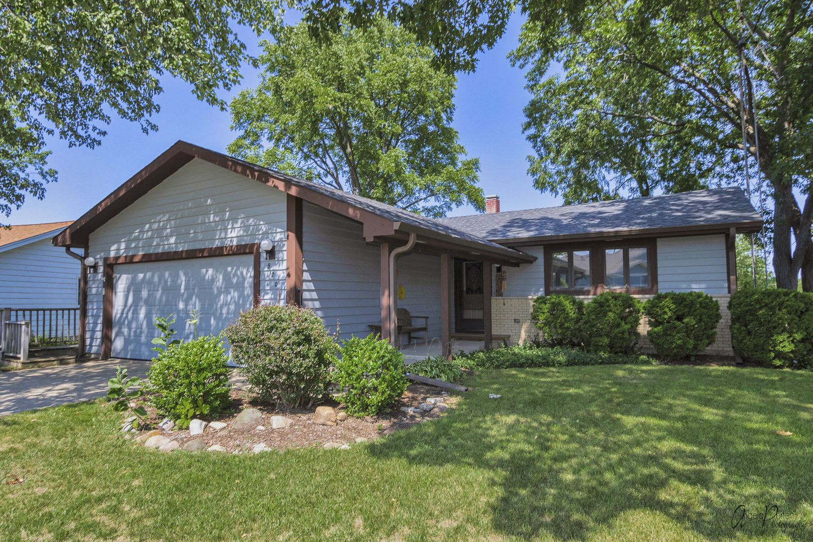 920 Wiltshire Drive, McHenry, IL 60050 - #: 11205965