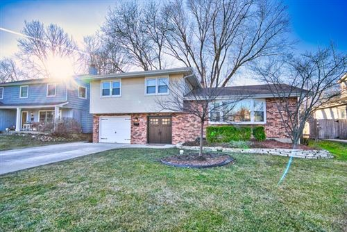 Photo of 450 South Oak Glen Drive, Bartlett, IL 60103 (MLS # 10612966)
