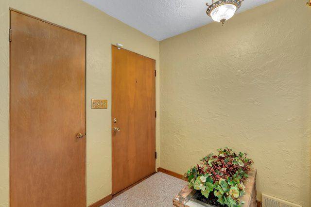 Photo of 1700 Taylor Street, Joliet, IL 60435 (MLS # 11069966)