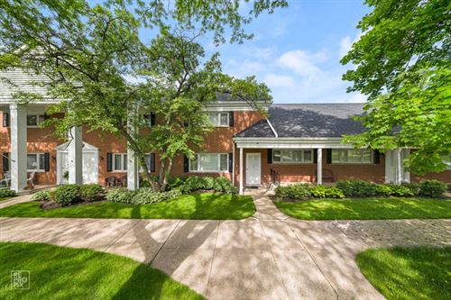 Photo of 1105 Chanticleer Lane, Hinsdale, IL 60521 (MLS # 10726967)