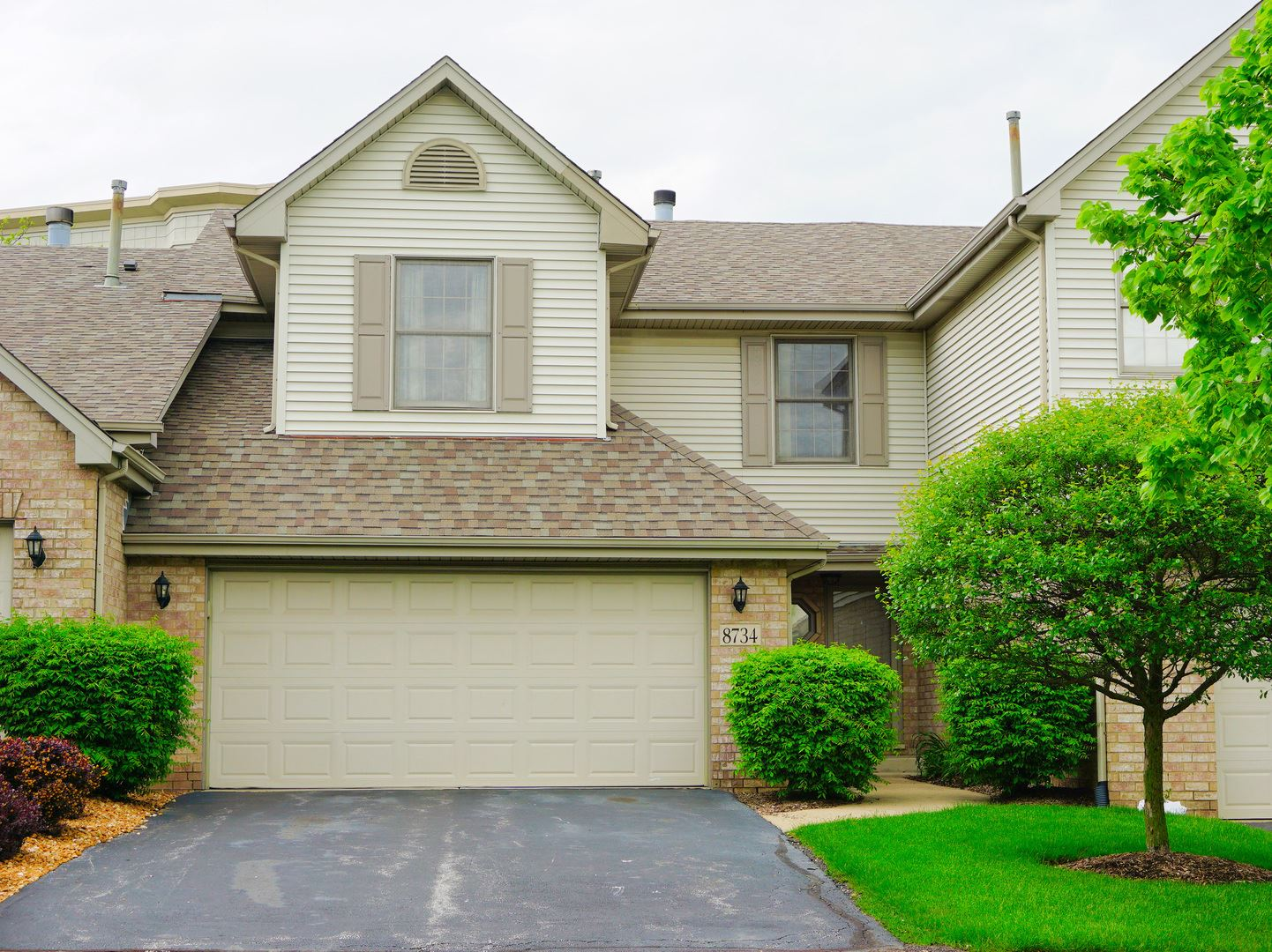 8734 CRYSTAL CREEK Drive #0, Orland Park, IL 60462 - #: 10720968