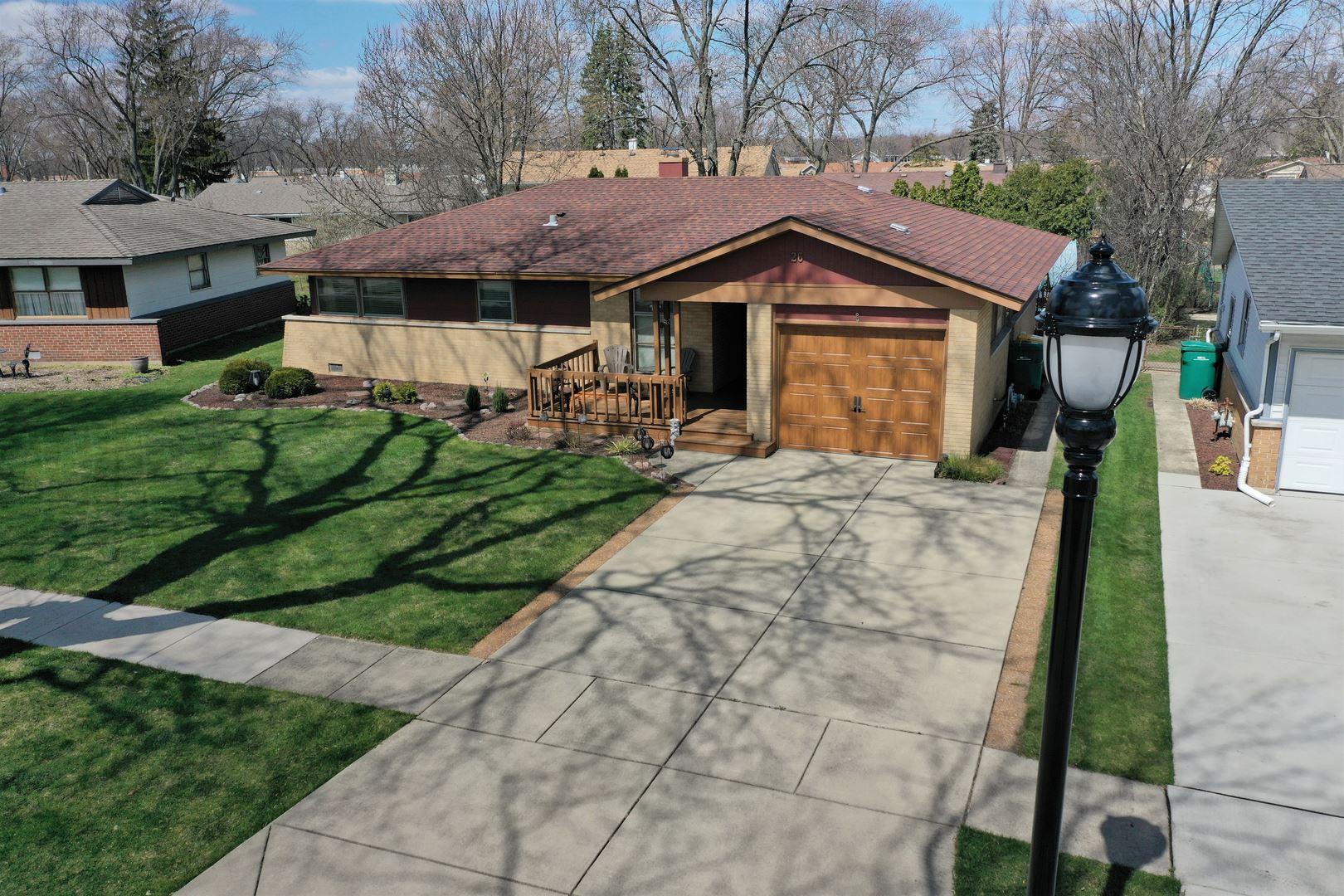 26 Woodcrest Lane, Elk Grove Village, IL 60007 - #: 10691977