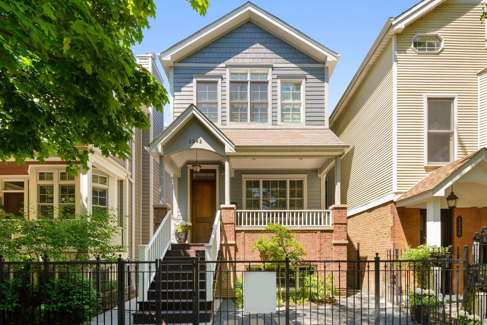 1242 W Barry Avenue, Chicago, IL 60657 - #: 10727977