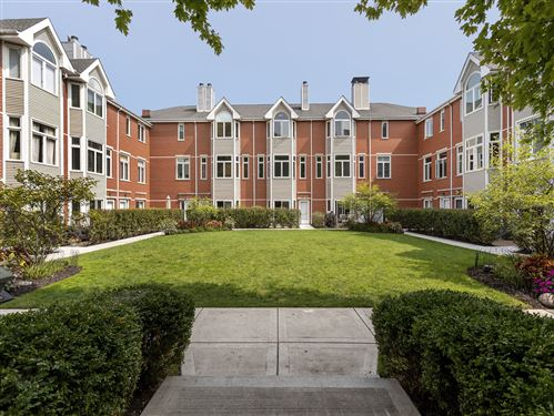 Photo of 2561 N GREENVIEW Avenue, Chicago, IL 60614 (MLS # 10870978)