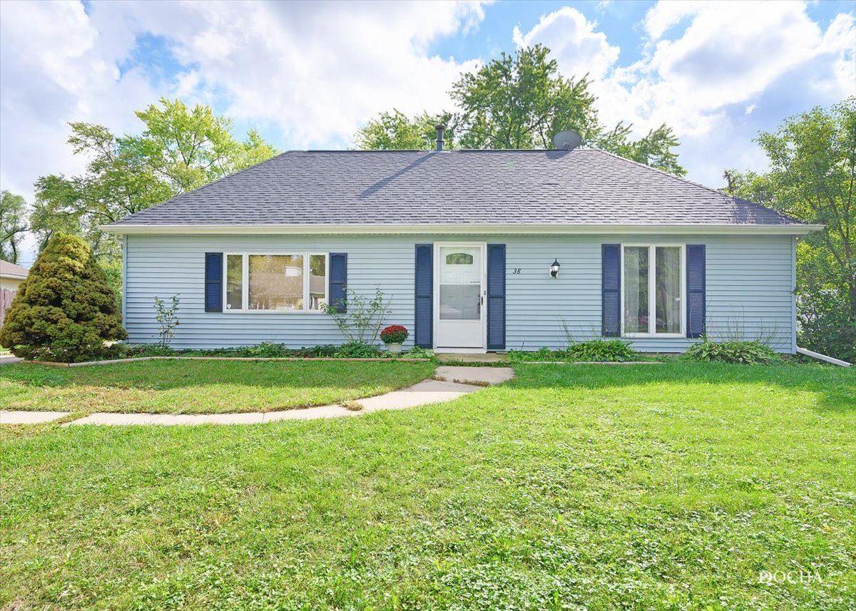 38 Pembrooke Road, Montgomery, IL 60538 - #: 11238984