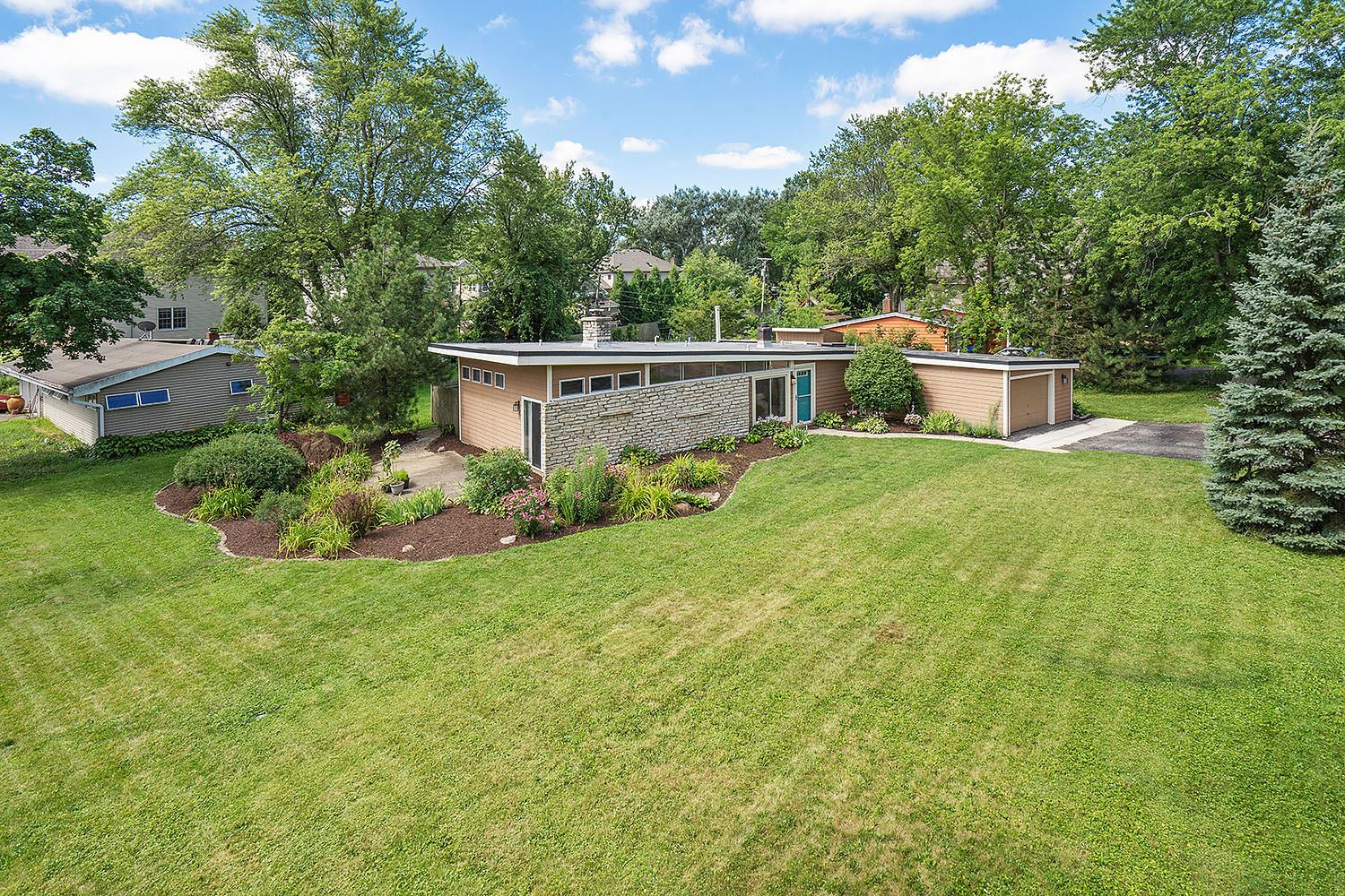 22W525 Cherry Lane, Glen Ellyn, IL 60137 - #: 10795985