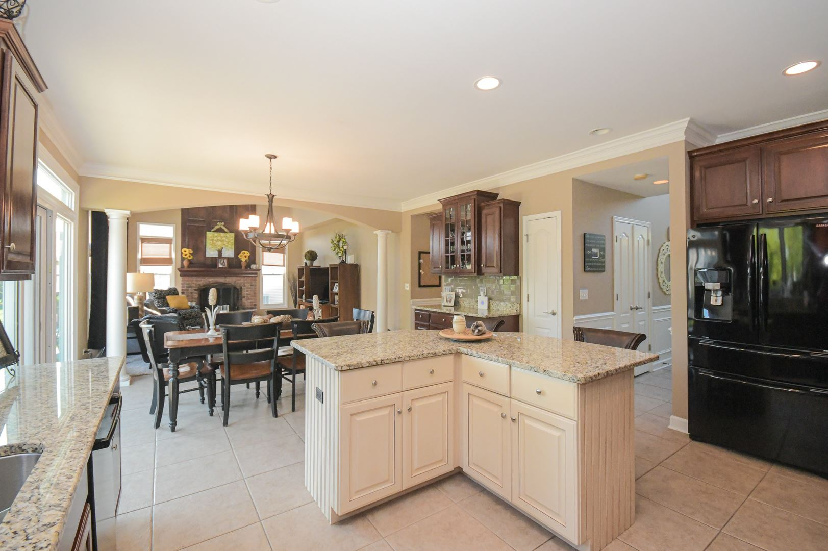 Photo of 26044 Whispering Woods Circle, Plainfield, IL 60585 (MLS # 11128985)