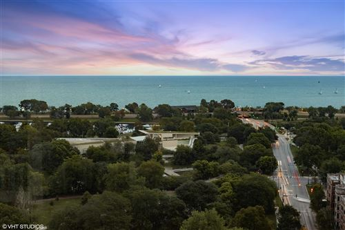 Photo of 2400 N Lakeview Avenue #2302, Chicago, IL 60614 (MLS # 11111986)