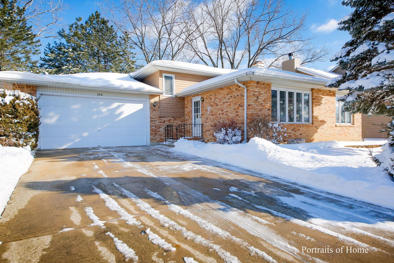Photo of 206 Roman Circle, Bolingbrook, IL 60440 (MLS # 10984987)