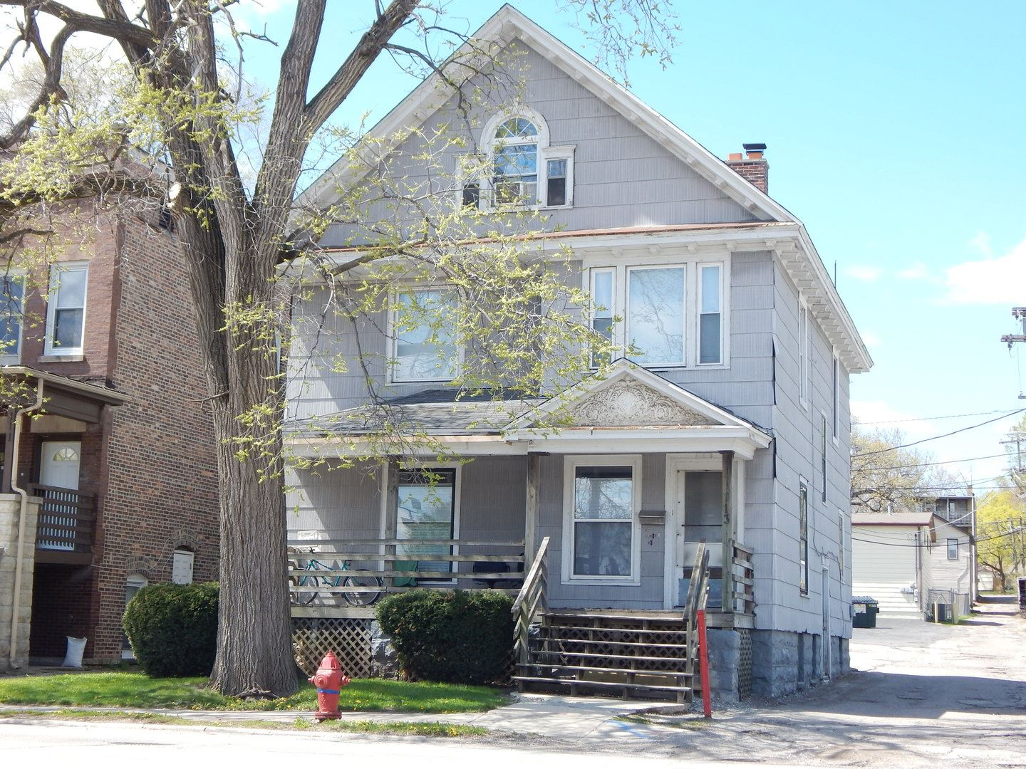 Photo of 113 N Center Street, Joliet, IL 60435 (MLS # 11057989)