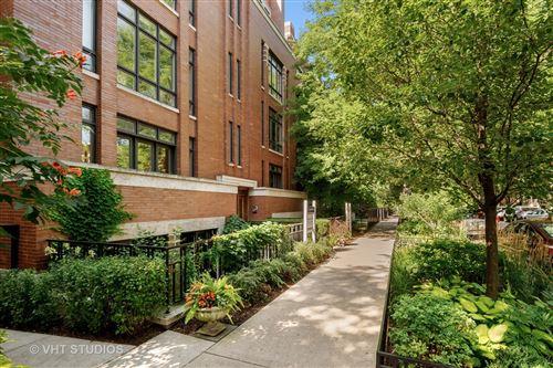 Photo of 635 W Briar Place #3E, Chicago, IL 60657 (MLS # 10821990)