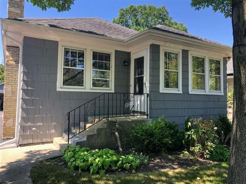 Photo of 882 Burton Avenue, Highland Park, IL 60035 (MLS # 10809994)