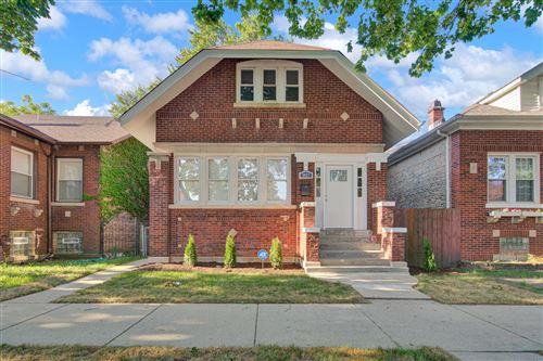 Photo of 5427 W Gladys Avenue, Chicago, IL 60644 (MLS # 10800996)