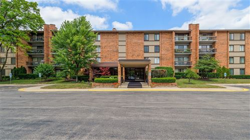 Photo of 201 Lake Hinsdale Drive #206C, Willowbrook, IL 60527 (MLS # 11172996)