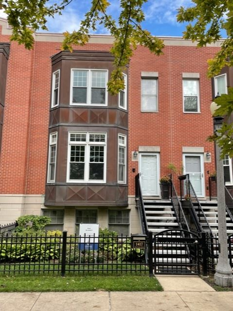 1417 S Campus Parkway, Chicago, IL 60608 - #: 11248996