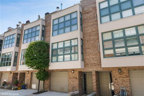Photo of 773 W Melrose Street, Chicago, IL 60657 (MLS # 11031998)