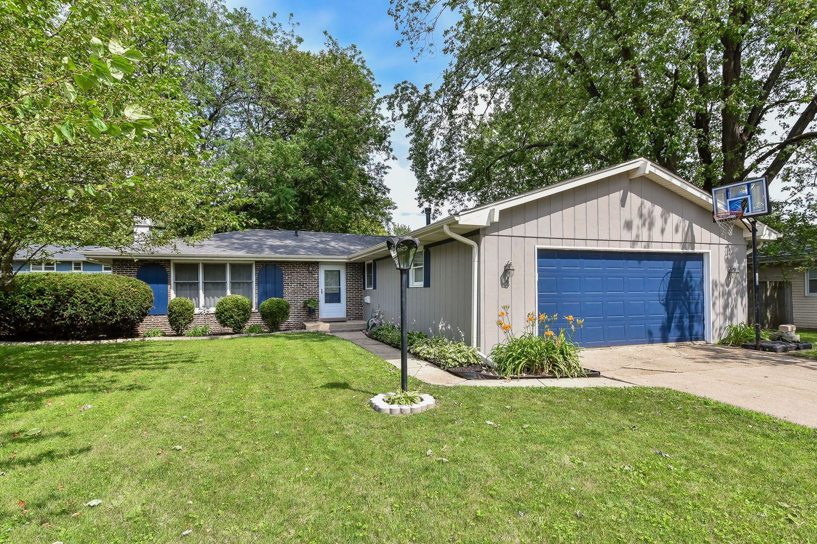 3 Walnut Drive, North Aurora, IL 60542 - #: 10790998