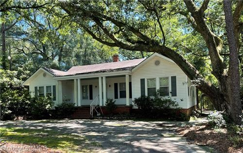 Photo of 1102 Forest Hill DRIVE, Mobile, AL 36618 (MLS # 653575)