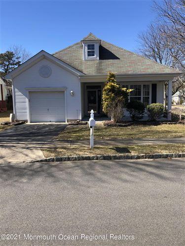 Photo of 13 Springlawn Drive, Lakewood, NJ 08701 (MLS # 22106028)