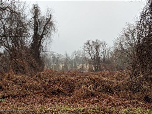 Photo of 5 Eagle Nest Road, Colts Neck, NJ 07722 (MLS # 22005096)