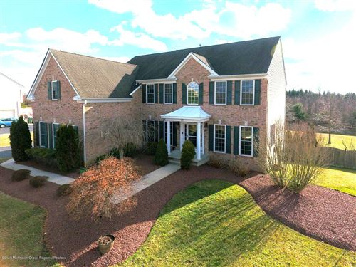 Photo of 10 Jake Drive, Cream Ridge, NJ 08514 (MLS # 22011446)