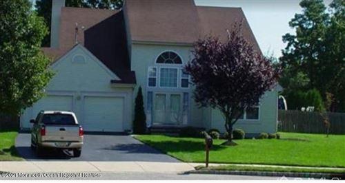 Photo of 27 Thousand Oaks Terrace, Howell, NJ 07731 (MLS # 22120499)