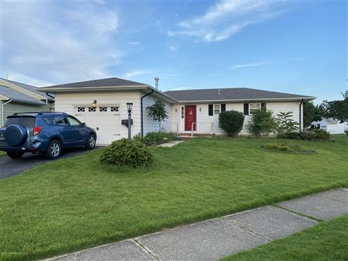 Photo of 5 Hare Bell Holw Hollow, Toms River, NJ 08755 (MLS # 22030530)