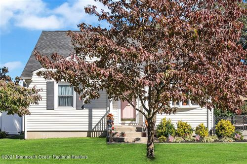 Photo of 16 Haven Terrace, Parlin, NJ 08859 (MLS # 22134613)