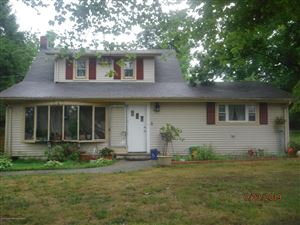 Photo of 20 Mapletree Road, Toms River, NJ 08753 (MLS # 21941951)