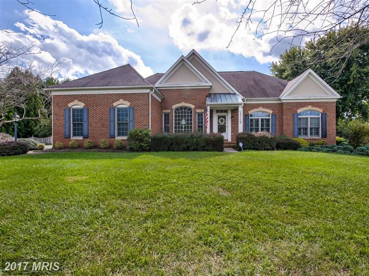 Photo for 15109 ROLLINMEAD DR, GAITHERSBURG, MD 20878 (MLS # MC10080022)