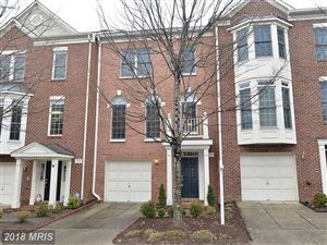 Photo of 4060 HEATHERSTONE CT, FAIRFAX, VA 22030 (MLS # FX10154051)