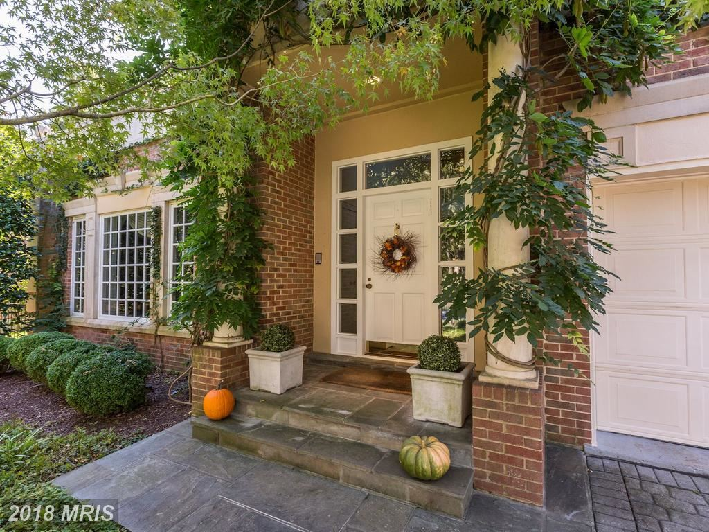 Photo for 10038 CHARTWELL MANOR CT, POTOMAC, MD 20854 (MLS # MC10096114)