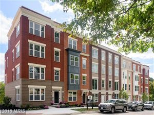 Photo of 11687 SUNRISE SQUARE PL, RESTON, VA 20191 (MLS # FX10127124)