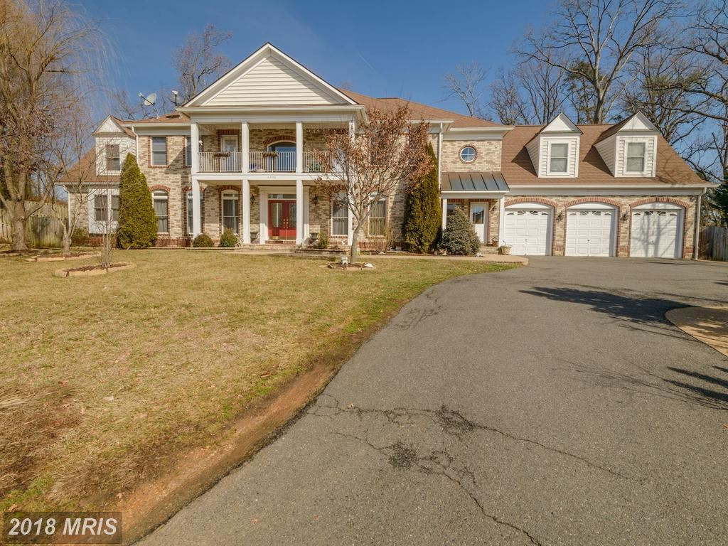 Photo for 6438 COLUMBIA PIKE, ANNANDALE, VA 22003 (MLS # FX10145125)